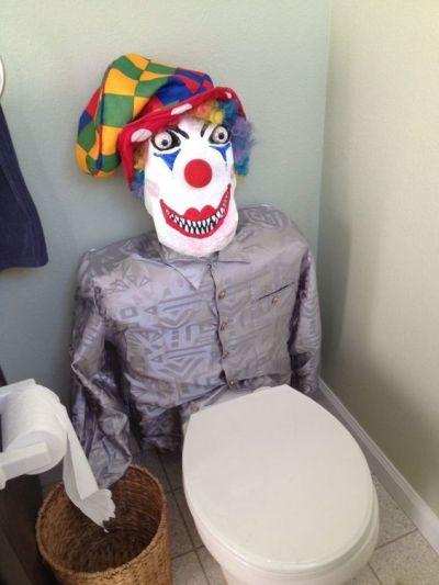 watch your back Halloween prank idea