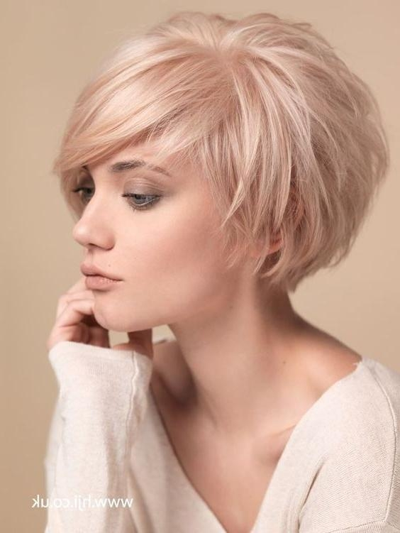 inverted bob hairstyle for fine thin hair