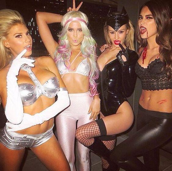 vampire girls halloween costume ideas for college