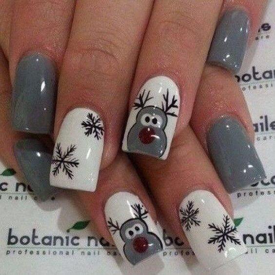reindeer acrylic christmas nail designs
