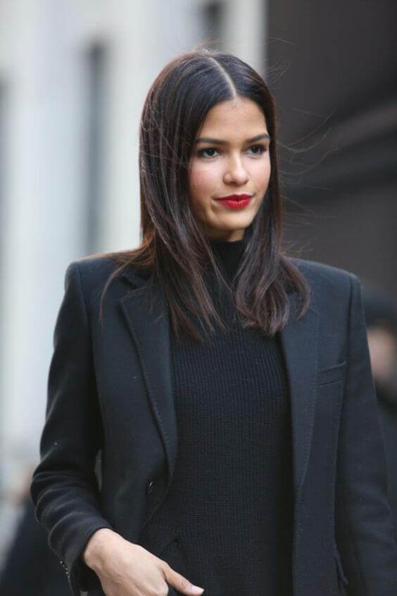 looks with black outfit and red lips