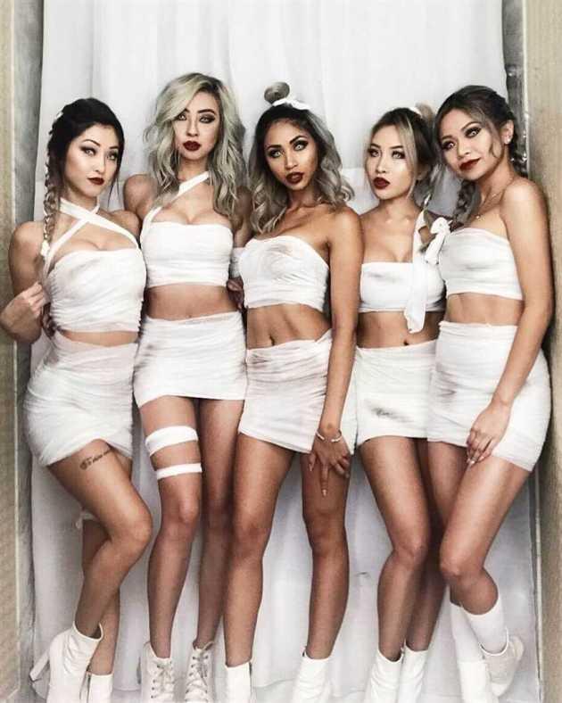 diy mummy group girls halloween costume ideas