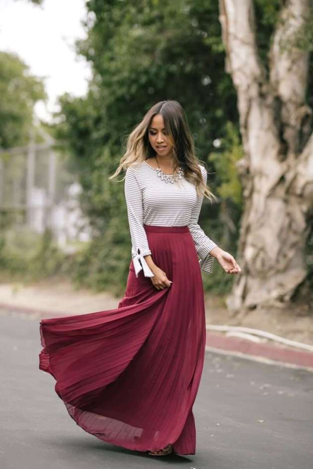 burgundy pleated maxi skirt christmas holidays outfit ideas for teen girls