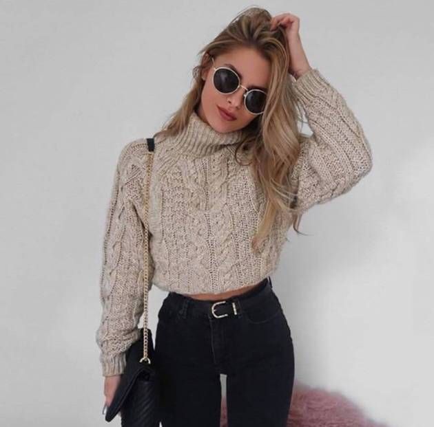 knit sweater crop top with jeans outfit for winter