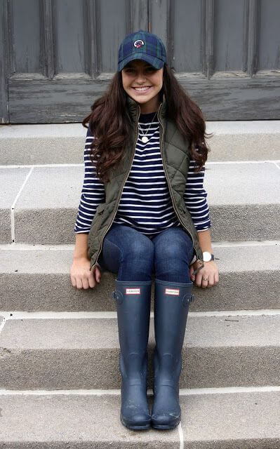 woman preppy fall outfit ideas