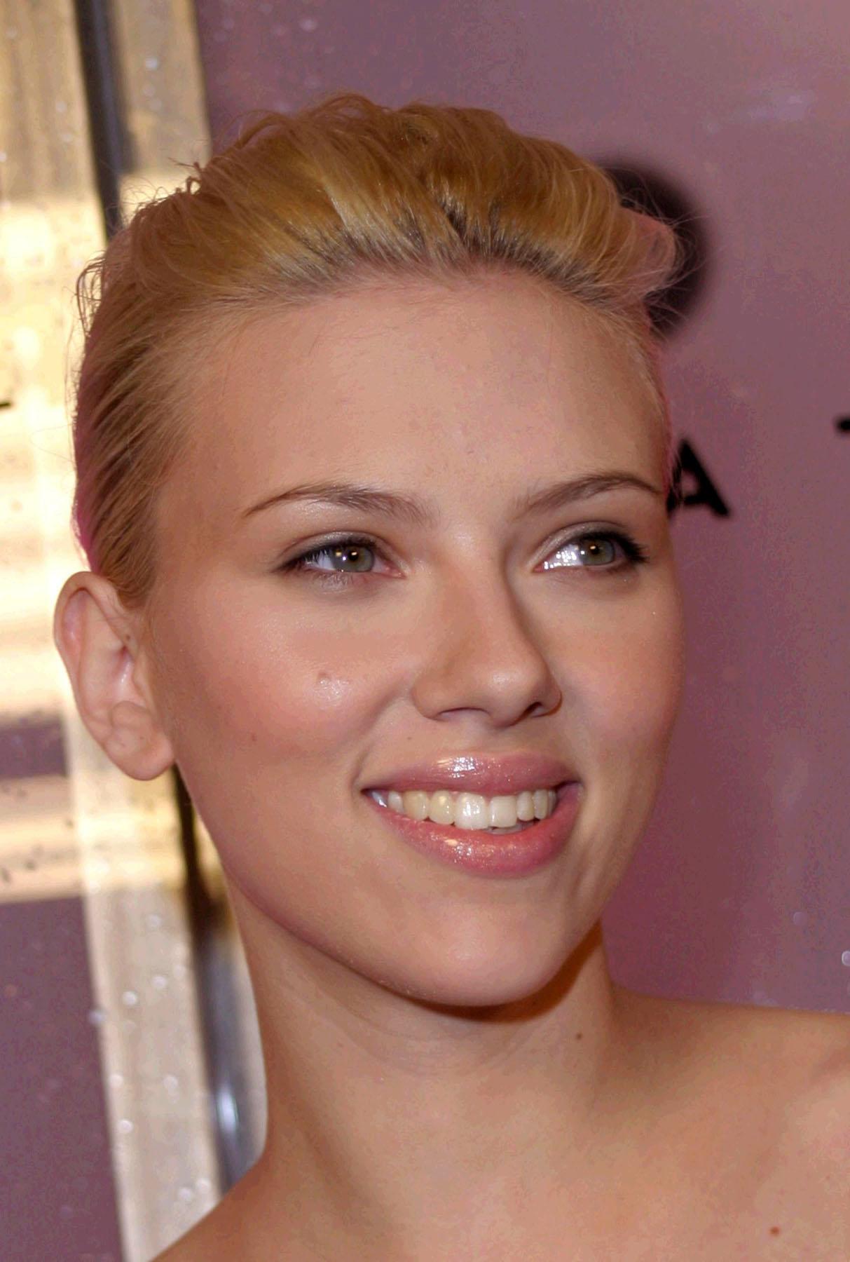 Scarlett Johansson Entertainment Rundown