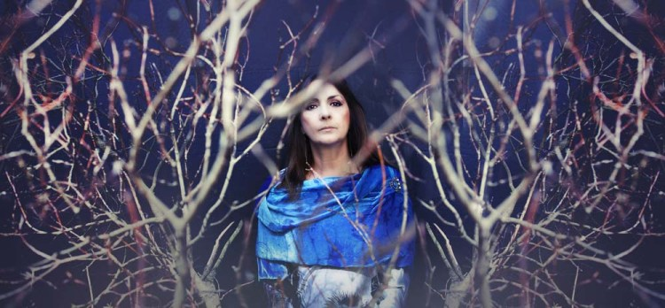 Moya Brennan will visit South Wales twice during the spring. On March 27 she will play Rhosygilwen, Cilgerranand on March 31 she will play Acapela Studio, Cardiff.