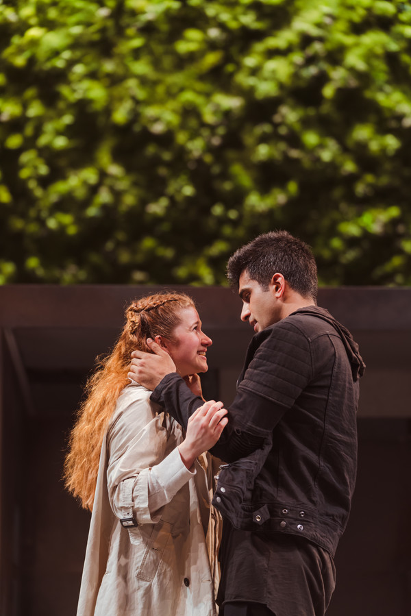The RSC's interpretation of Romeo and Juliet will play Cardiff's New Theatre Photo by Topher McGrillis © RSC