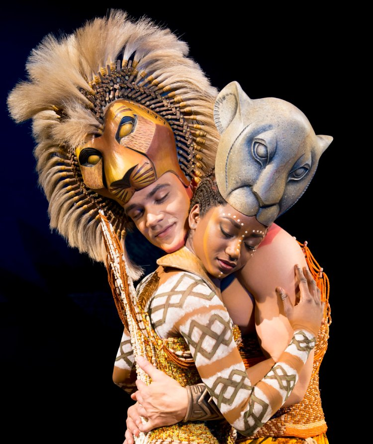 Nick Afoa as Simba, Janique Charles as Nala in the 2017 production of The Lion King ®Disney