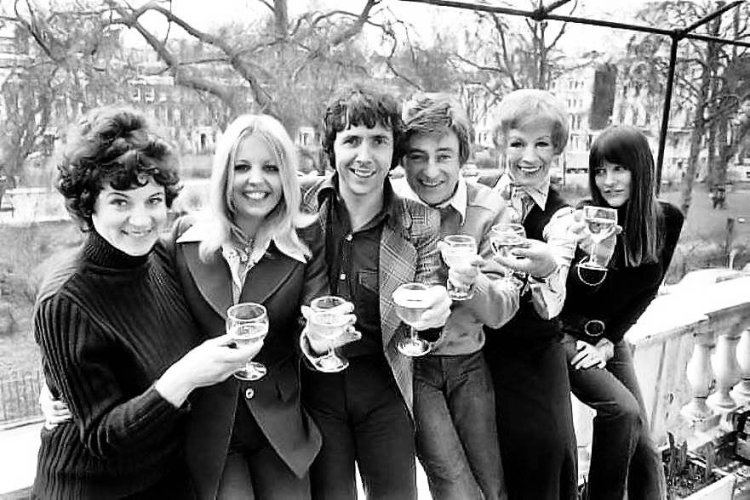 The cast of Boeing-Boeing on a photocall prior to the tour. Left to right: Penelope Nice, Sally Thomsett, Richard O'Sullivan, Doug Fisher, Yootha Joyce and Judy Matheson. Photograph courtesy of Judy Matheson Collection.