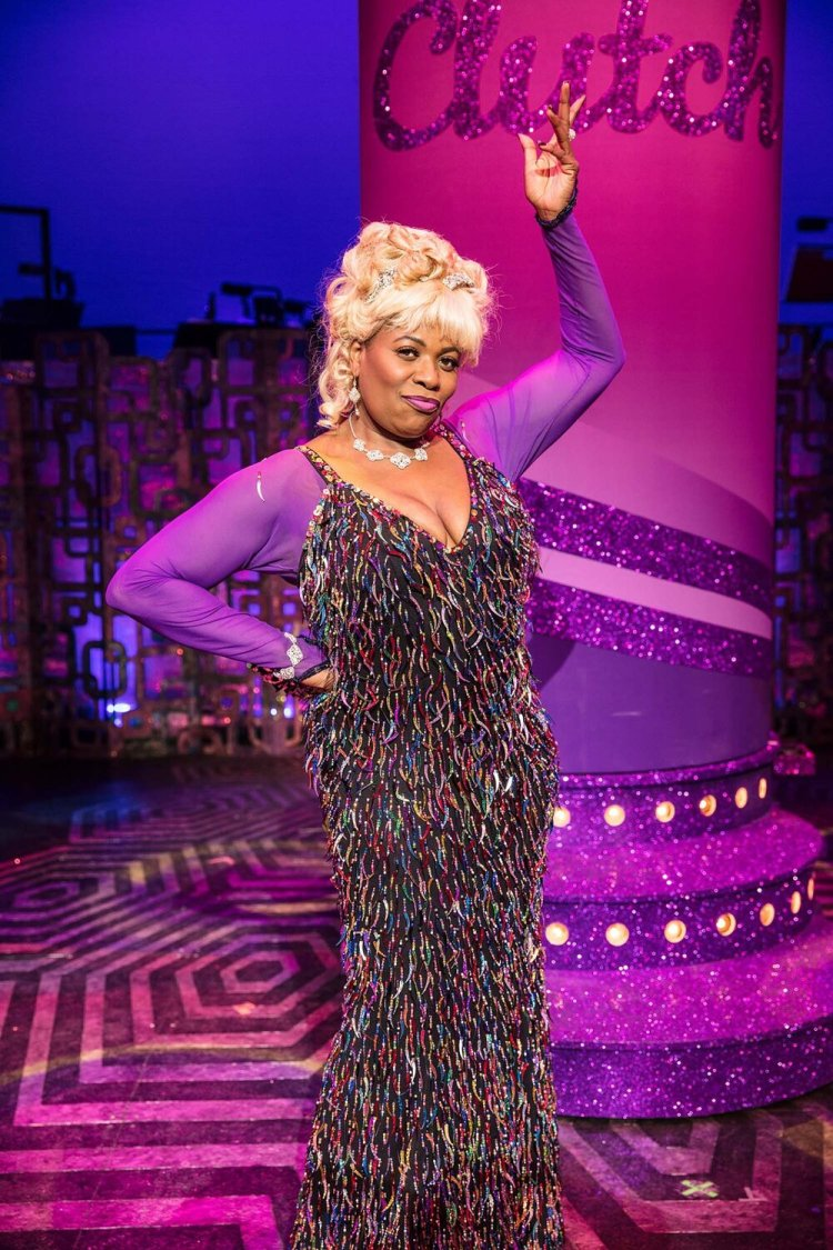 Brenda Edwards as Motormouth Mabel in the UK tour of Hairspray from 2017