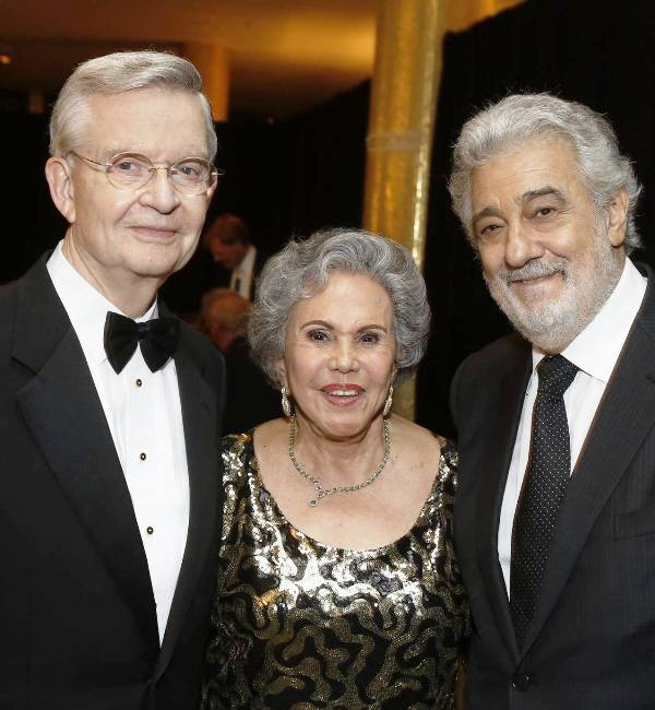 Placido Domingo with Alicia & Ed Clark, Founders of Hispanics for the Opera