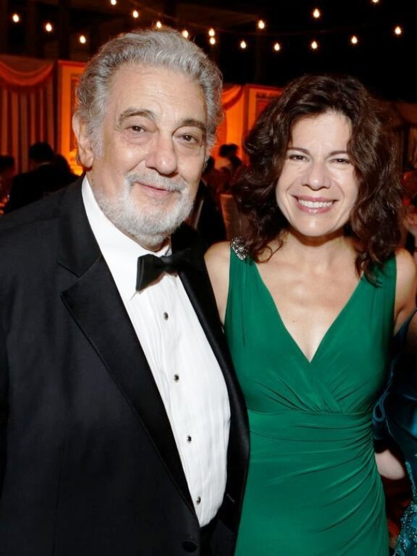 Placido Domingo with Soprano, Ana Maria Martinez (Pagliacci) ... [Photo credits to: Steve Cohn & Getty Images]
