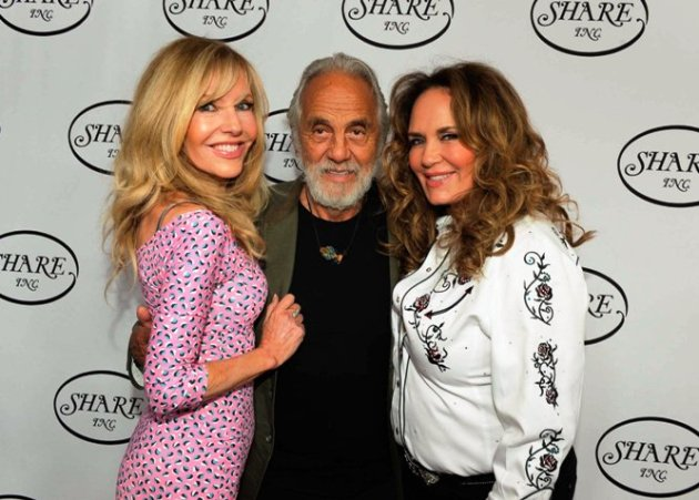 Shelby & Tommy Chong with Catherine Bach at SHARE