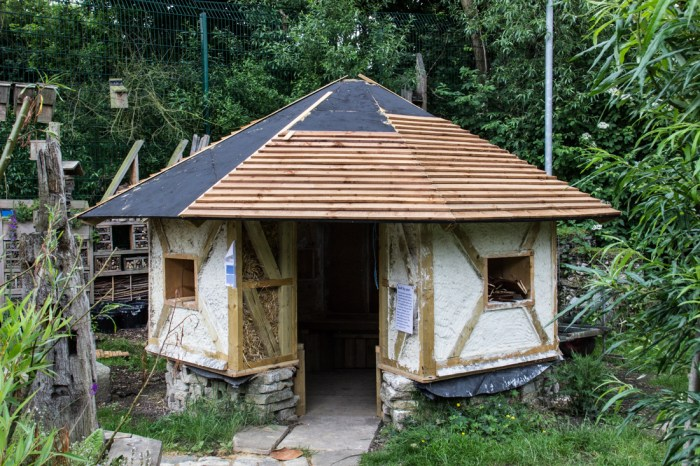 The Straw Bale House, The Shed in the Stave Hill Ecology Park