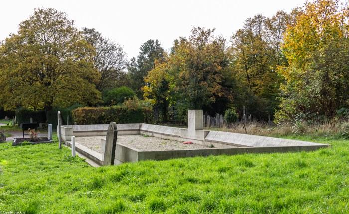 War Memorial in Ladywell Cemetery in Lewisham