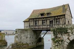 Le Vieux-Moulin de Vernon sans sa roue.