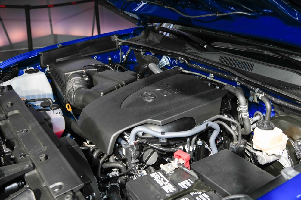 medium resolution of you can get a manual transmission with both engines the 2016 toyota tacoma