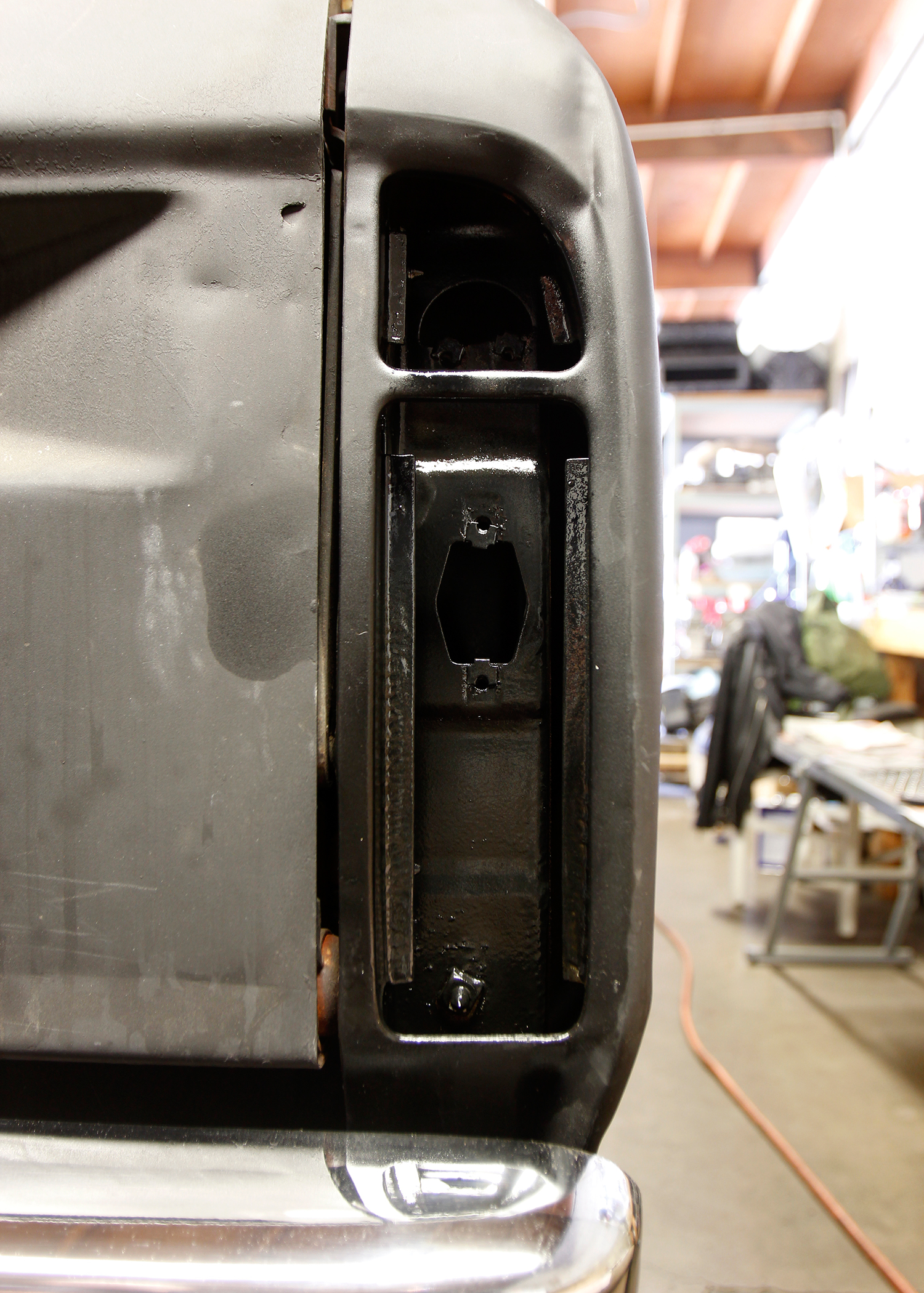 hight resolution of while the wiring was out we took the opportunity to clean some of the grime behind the rear lights and treated the area with eastwood s rust encapsulator