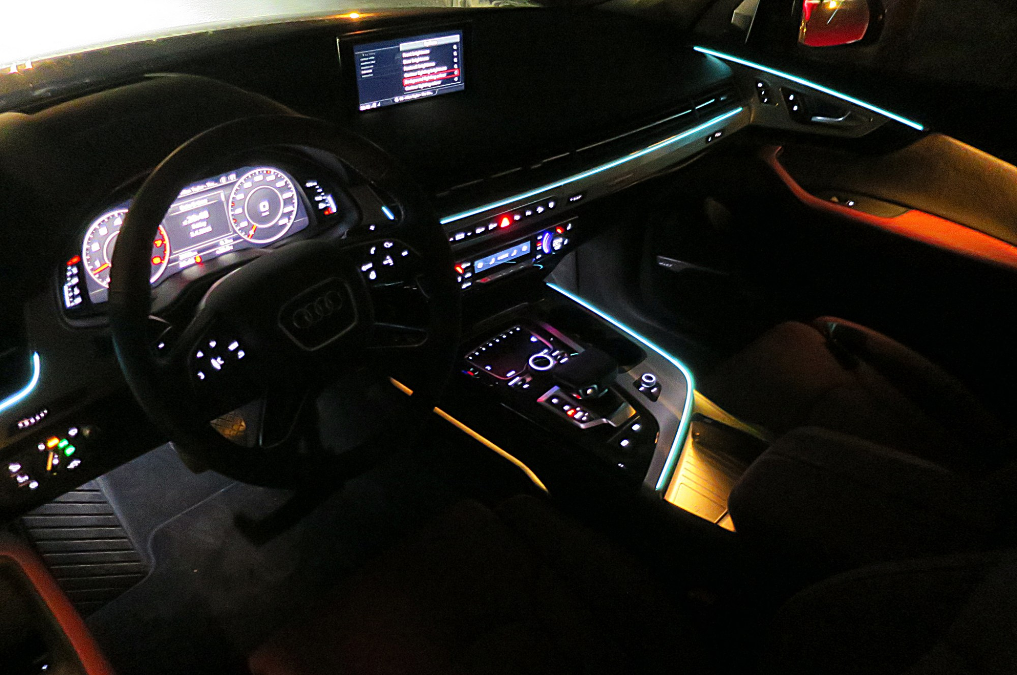 hight resolution of crisp lines of ambient lighting accent the cockpit and the color of these lines and
