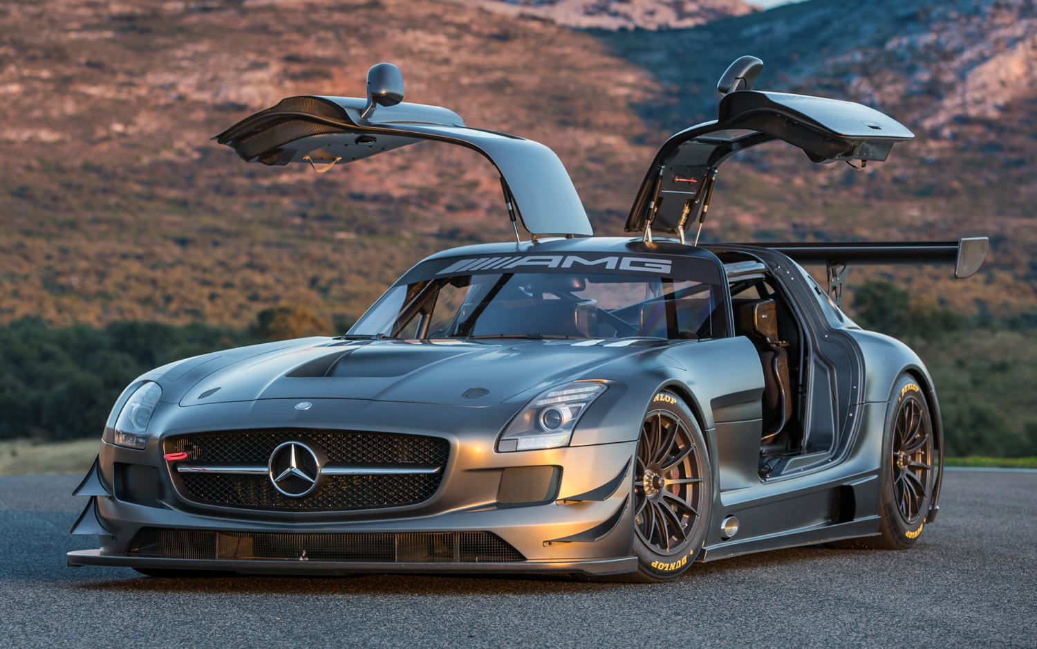 mercedes benz amg launches 45th anniversary sls amg gt3 racer [ 1500 x 938 Pixel ]