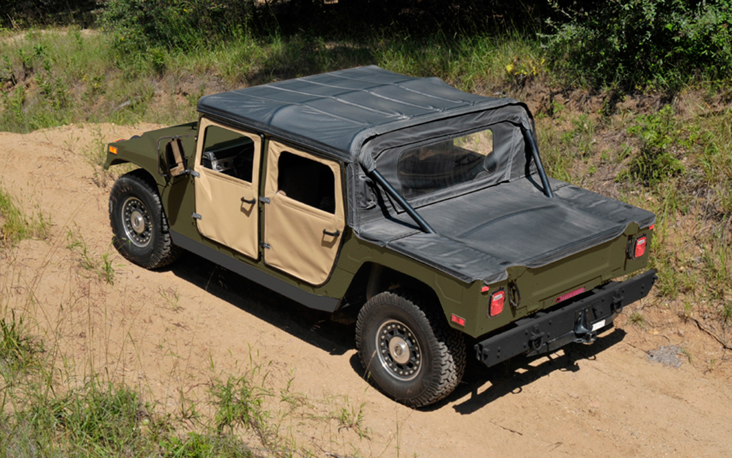 hight resolution of diy h1 am general announces new 59 995 civilian humvee c series kits motortrend