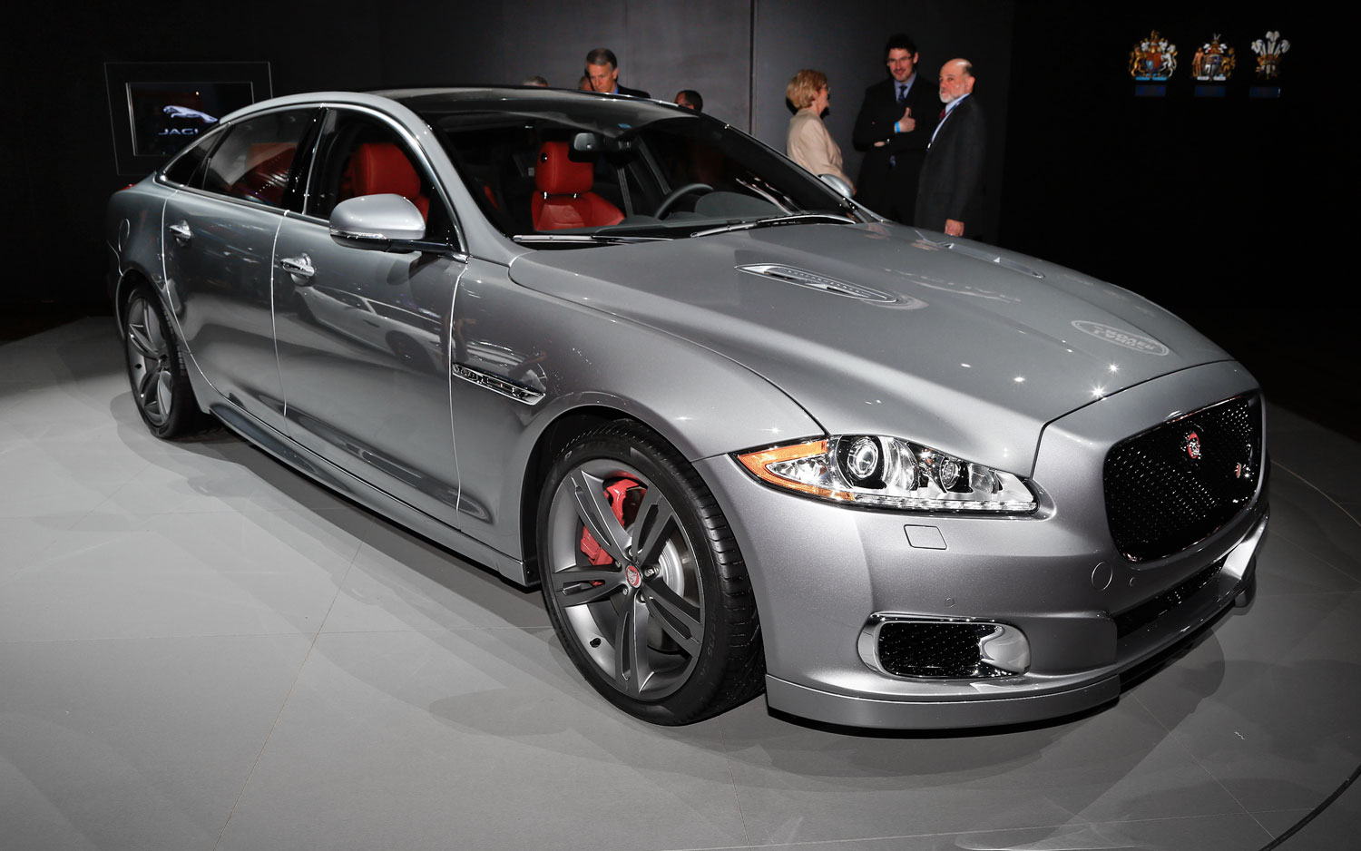 550 hp 2014 jaguar xjr makes debut in new york [ 1500 x 938 Pixel ]