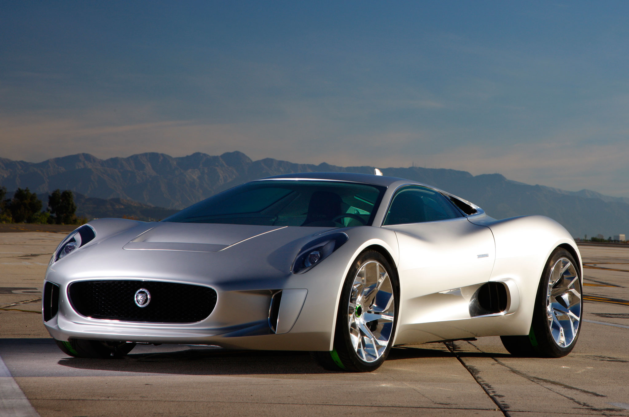 hight resolution of video jaguar c x75 prototype put through its paces