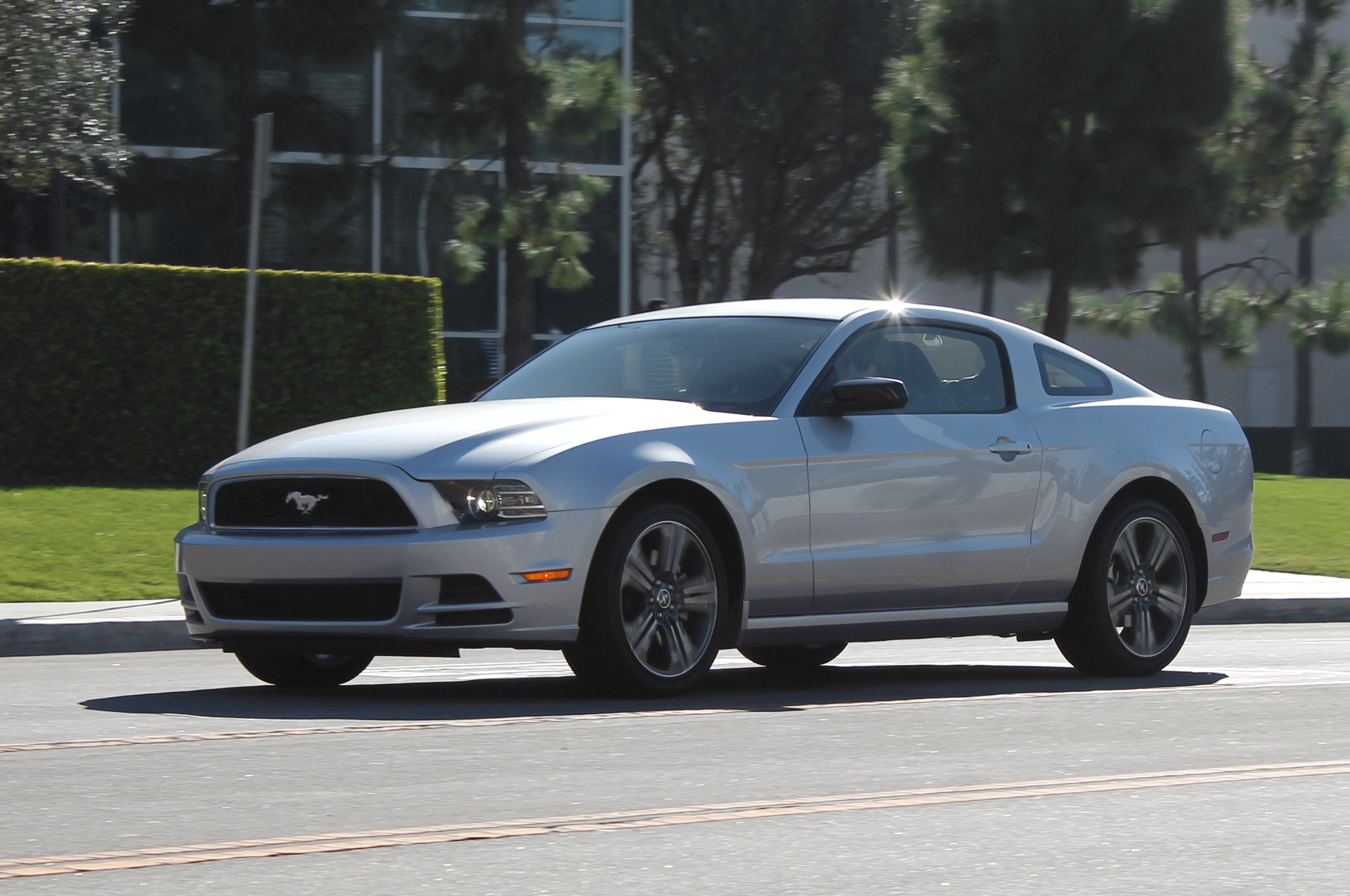 2014 ford mustang premium v6 performance package first test motortrend go back gt gallery for gt 2000 mustang v6 engine diagram [ 2048 x 1360 Pixel ]
