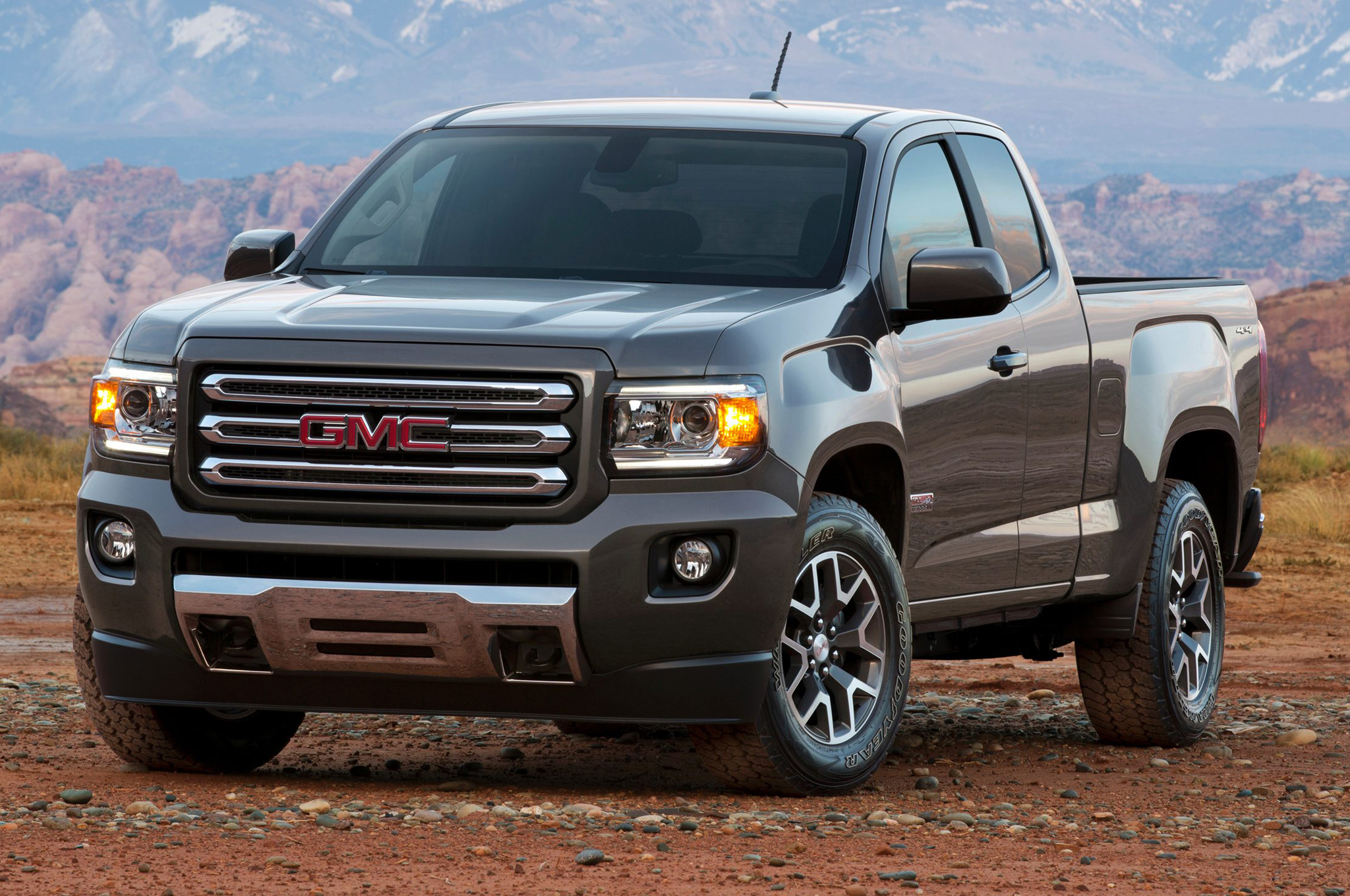 medium resolution of refreshing or revolting 2015 gmc canyon