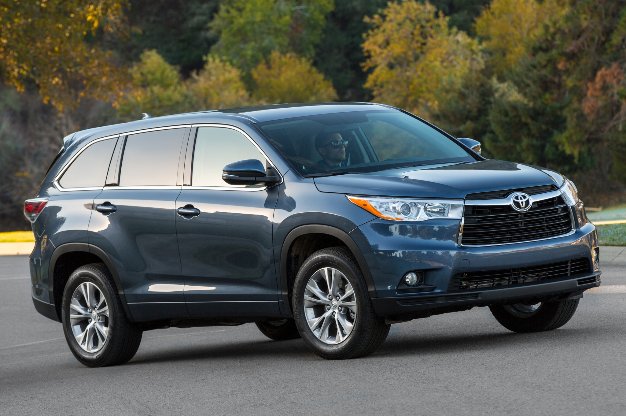 small resolution of 2014 toyota highlander recalled for problem with seat belt motor trend rh motortrend com 2014 toyota