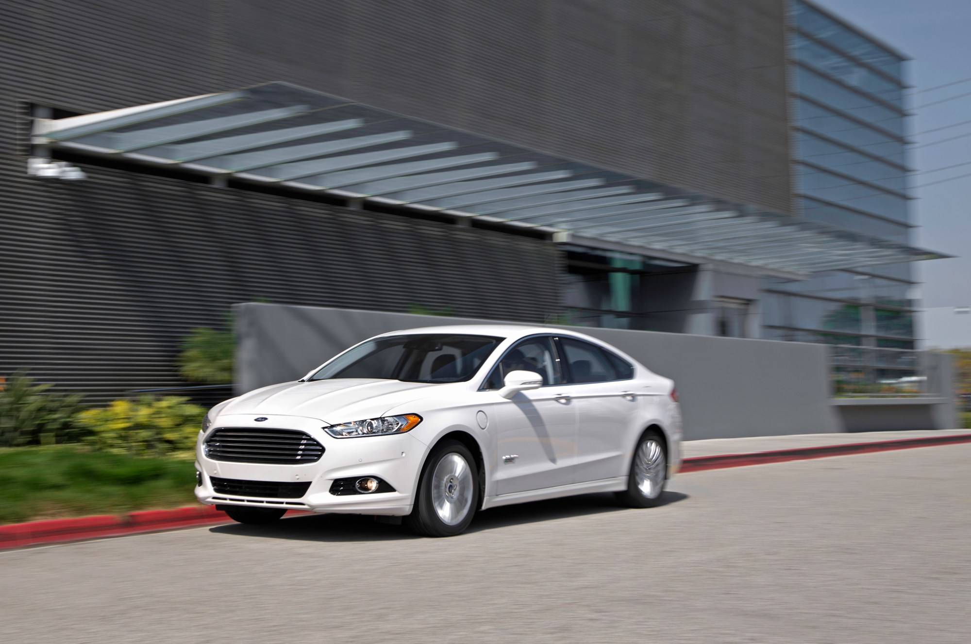 hight resolution of 2014 ford fusion energi phev first test