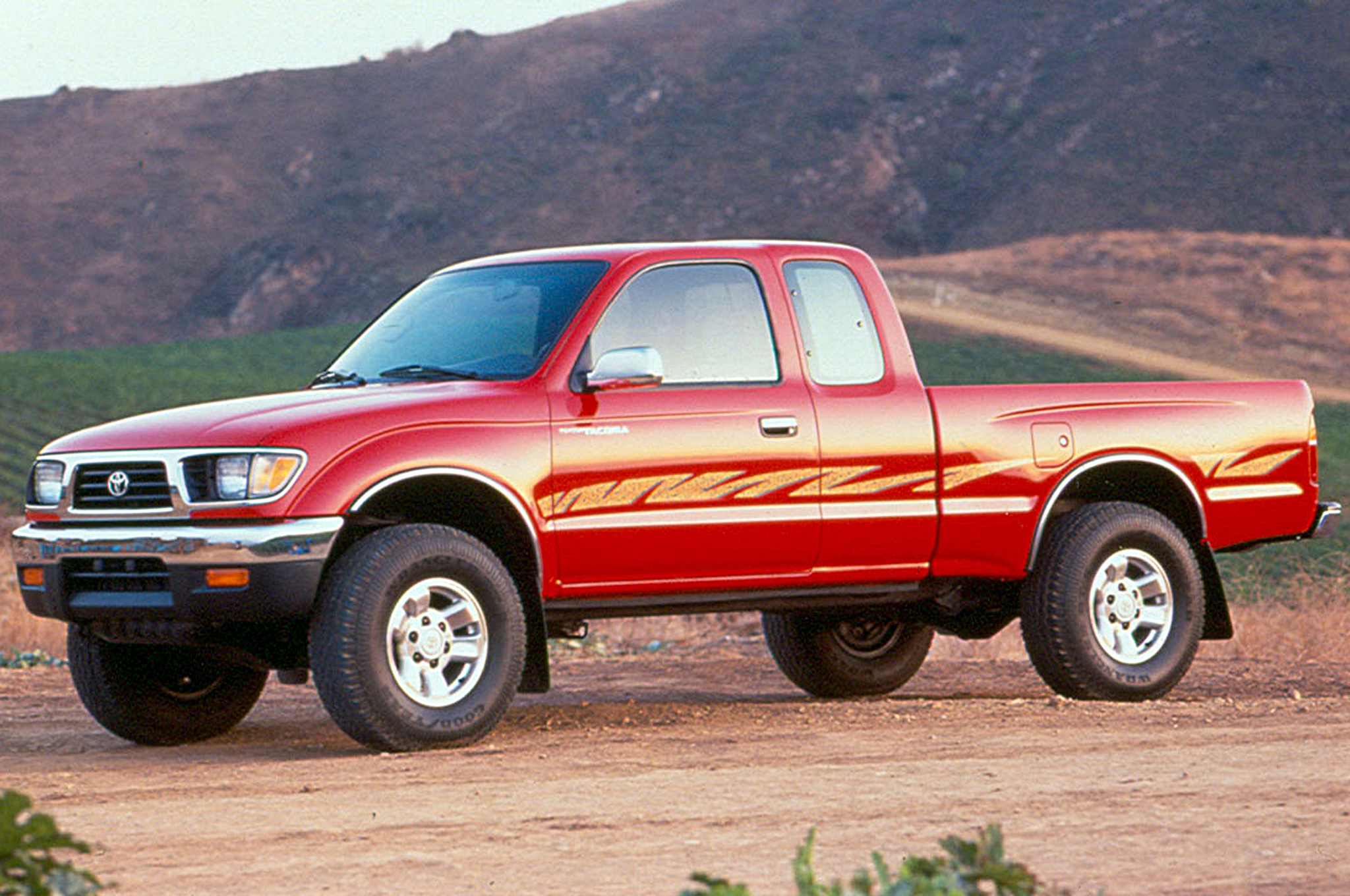 small resolution of 20 years of the toyota tacoma and beyond a look through the years motortrend