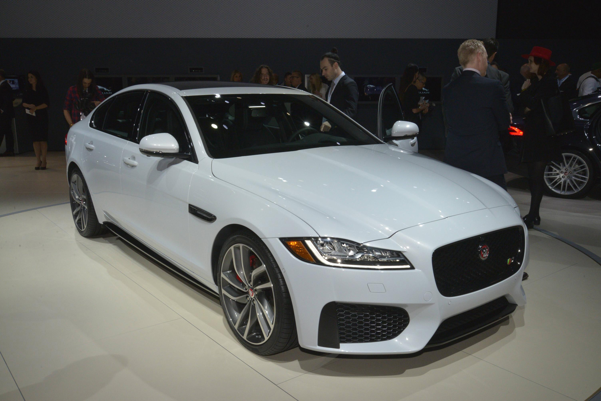 11 things to know about the 2016 jaguar xf [ 2037 x 1360 Pixel ]