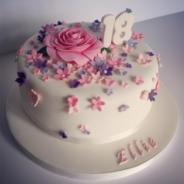 18 Birthday Cakes Pretty 18th Birthday Cake For Pretty Girl 18 Pinterest 18th