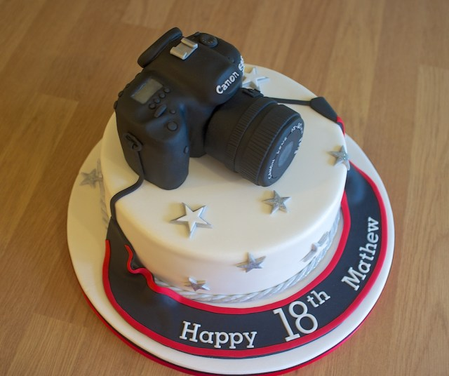 Camera Birthday Cake Canon Camera Birthday Cake Cake Creations Sue