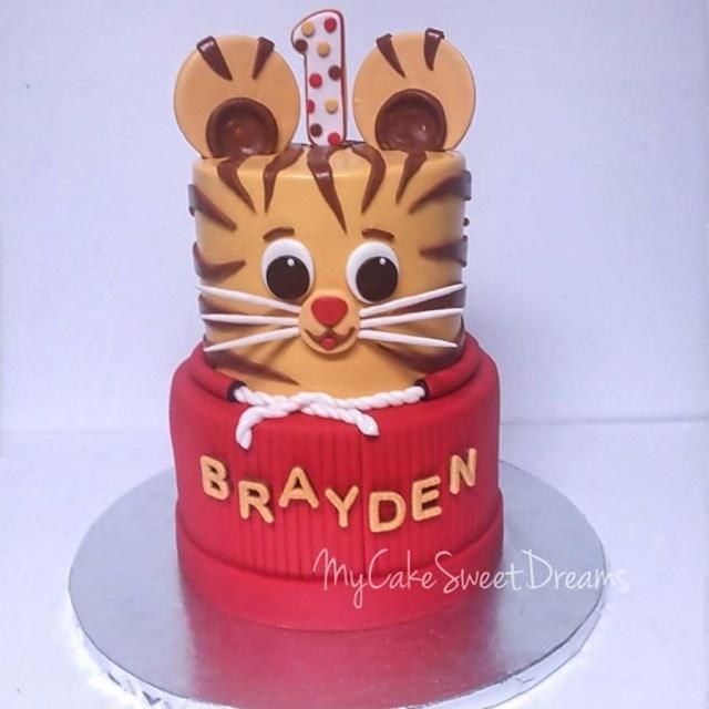 Daniel Tiger Birthday Cake Daniel Tiger 1st Birthday Cake Cakecentral