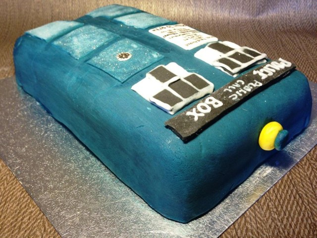 Doctor Who Birthday Cake Dr Who Tardis Lemon Blueberry Birthday Cake Bakearama