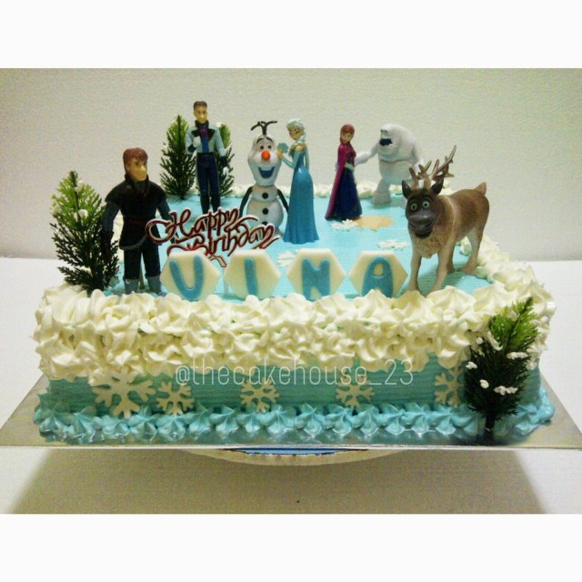 Frozen Themed Birthday Cake The Cake House Carla Frozen Theme Birthday Cake Dekor Buttercream