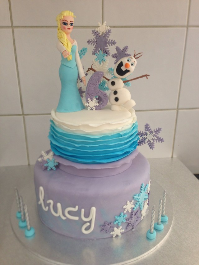 Frozen Themed Birthday Cakes Frozen Themed Birthday Cake For 6 Year Old Girl Cakes Pinterest