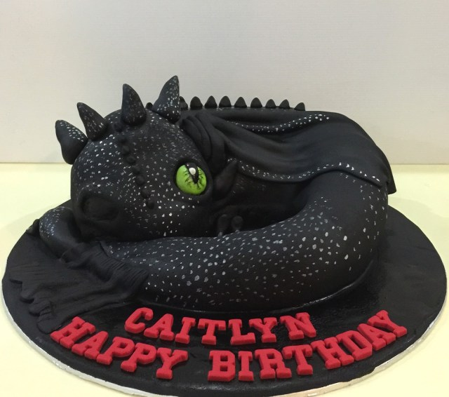 How To Train Your Dragon Birthday Cake Cupcake Divinity How To Train Your Dragon Toothless Cake
