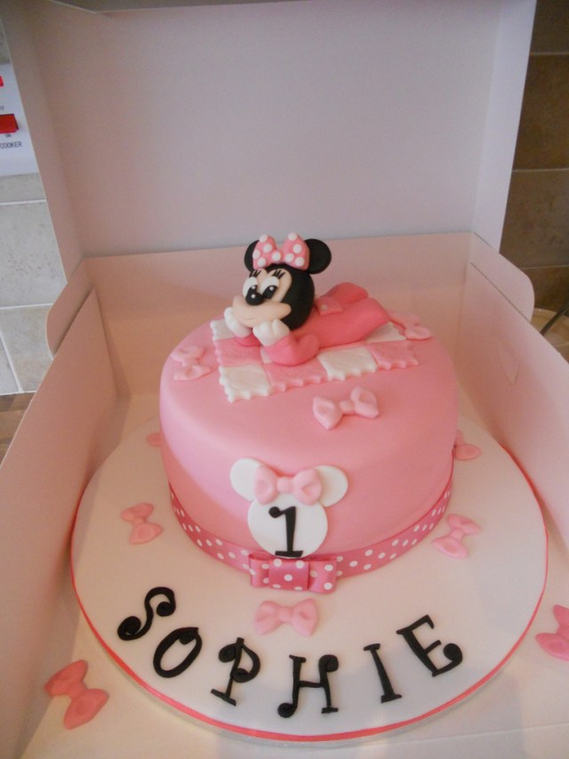 Minnie Mouse Cakes 1St Birthday Ba Minnie Mouse 1st Birthday Cake A Photo On Flickriver