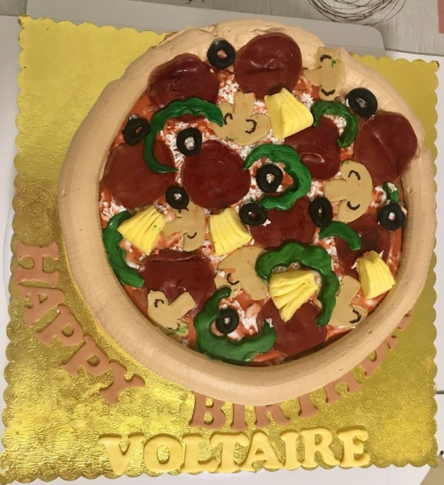 Pizza Birthday Cake Pizza Themed Birthday Cake Food Drinks Baked Goods On Carousell