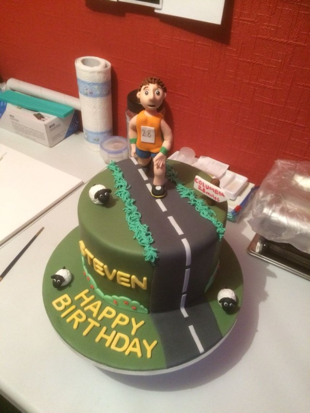 Runner Birthday Cake Birthday Cake For A Keen Runner Running Man Ca Ke Pinterest
