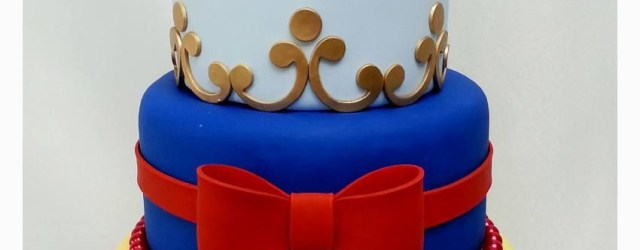 Snow White Birthday Cake Snow White Birthday Cake Idea For Snow Whites Tier In Isabellas