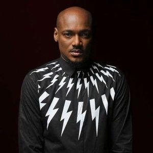 2Baba Hails Seyi Shay After She Slipped and fall On AFRIMA Stage