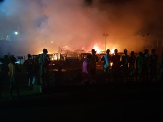 Rival gangs clash, set over 20 houses & shops on fire in Ibadan, Nigeria
