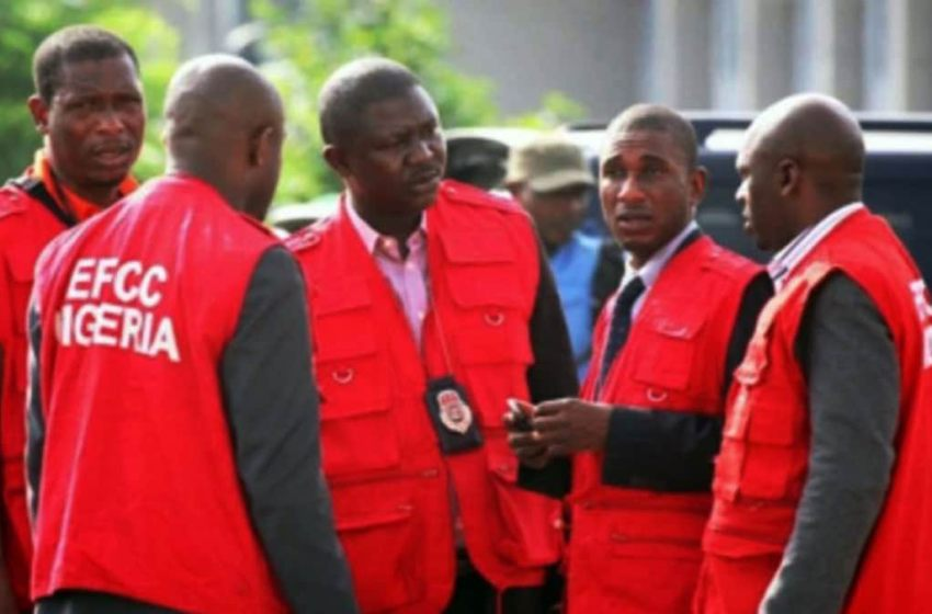 EFCC arrests 12 students at Yahoo school in Lagos (FULL GIST)