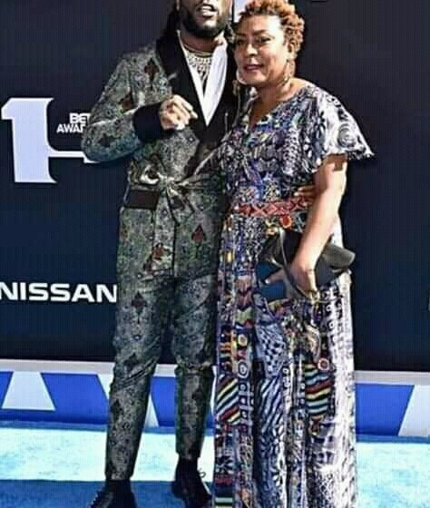 Photo of Fela rocking Burna Boy's mother surface online