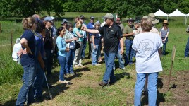 Missouri IPM train-the-trainer program field instruction